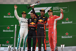 Valtteri Bottas, Mercedes-AMG F1, Daniel Ricciardo, Red Bull Racing and Kimi Raikkonen, Ferrari celebrate on the podium