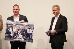 Максим Мартен и руководитель BMW Motorsport Йенс Марквардт