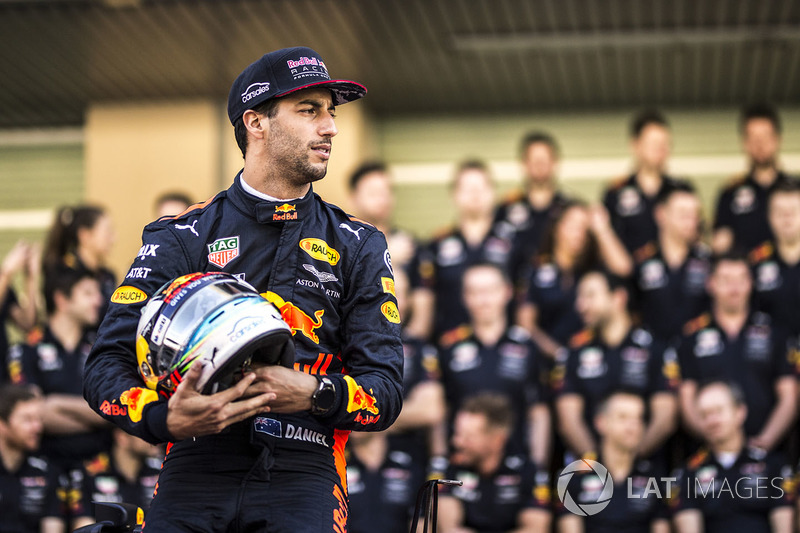 Daniel Ricciardo, Red Bull Racing at the Red Bull Racing team photo