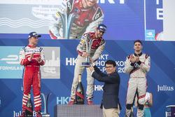 الفائز بالسباق دانيال أبت، أبت شايفلر أودي سبورت، المركز الثاني فيليكس روزينكفيست، ماهيندرا ريسينغ، المركز الثالث إدواردو مورتارا، فانتوري