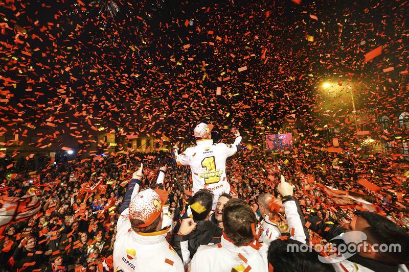 Marc Márquez, Repsol Honda Team, fête son cinquième titre MotoGP à Cervera