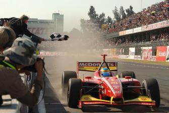 Race winner Sebastien Bourdais, Newman Haas Lanigan Racing