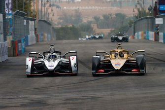 Andre Lotterer, DS TECHEETAH, DS E-Tense FE19 battles with Jose Maria Lopez, GEOX Dragon Racing, Penske EV-3