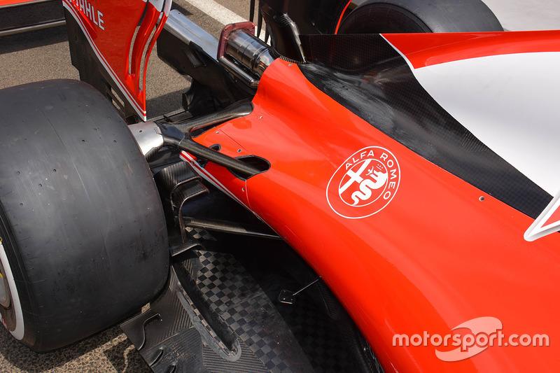 Detalle de tapa trasera de Ferrari