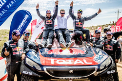 Il vincitore #104 Peugeot: Cyril Despres, David Castera