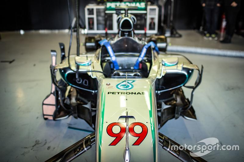 Mercedes AMG F1 W05 für MotoGP-Champion Jorge Lorenzo