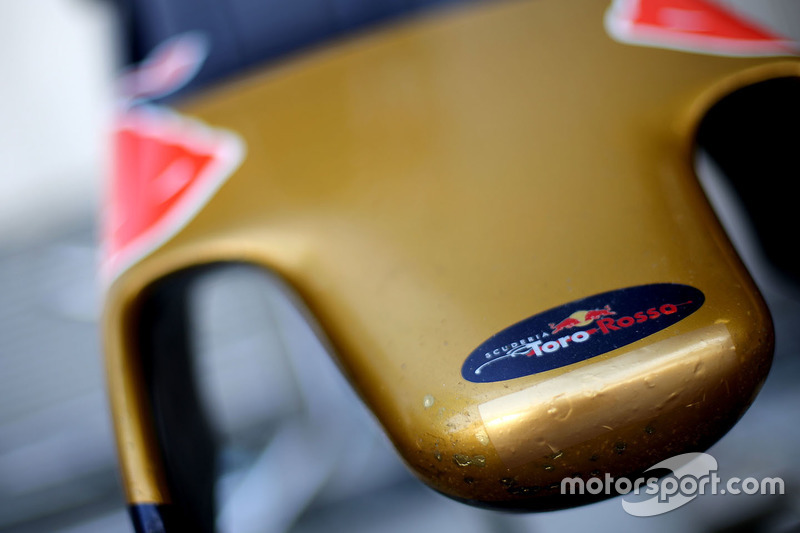 Nase des Scuderia Toro Rosso STR11