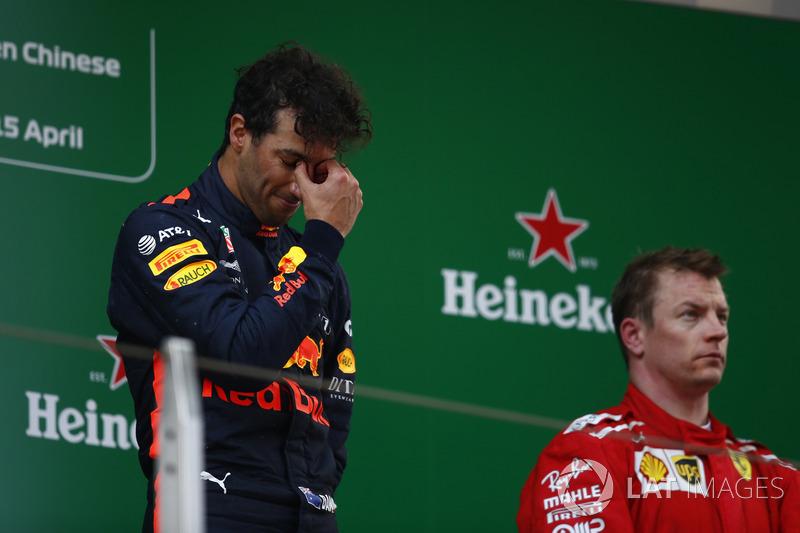 Podium : le vainqueur Daniel Ricciardo, Red Bull Racing, le troisième, Kimi Raikkonen, Ferrari