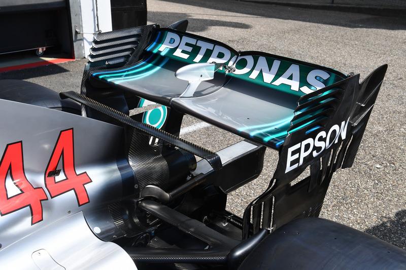 Mercedes-AMG F1 W09 alerón trasero