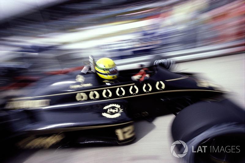 Пит-стоп Пике после трети дистанции ясно давал понять, что у Нельсона будет две остановки. Его преследователи – Росберг, Прост, опередивший Сенну, и сам Айртон – ехали с одним пит-стопом. Но даже это не помогло им навязать борьбу Williams. Сенну на длинных прямых сдерживали возможности мотора Renault, а в McLaren в тот день использовали двигатели в самой «спокойной» конфигурации, чтобы не рисковать сходом и не сжечь досрочно весь бензин в форсированном режиме