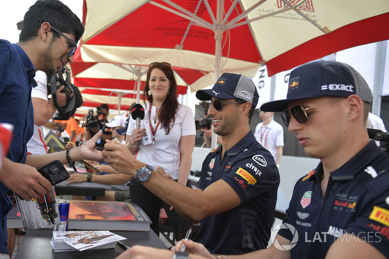 Daniel Ricciardo, Red Bull Racing and Max Verstappen, Red Bull Racing at the autograph session