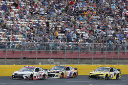 Erik Jones, Joe Gibbs Racing, Toyota Camry Sport Clips Chase Elliott, Hendrick Motorsports, Chevrolet Camaro SunEnergy1