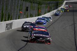 Erik Jones, Joe Gibbs Racing, Toyota Camry DeWalt, Denny Hamlin, Joe Gibbs Racing, Toyota Camry FedEx Express