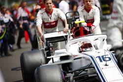 Charles Leclerc, Sauber C37, arrives on the grid