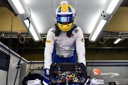The steering wheel detail of Marcus Ericsson, Sauber C36