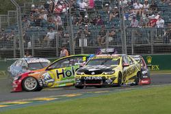 Nick Percat, Brad Jones Racing Holden, Lee Holdsworth, Team 18 Holden crash