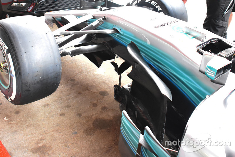 Боковой дефлектор Mercedes AMG F1 W08