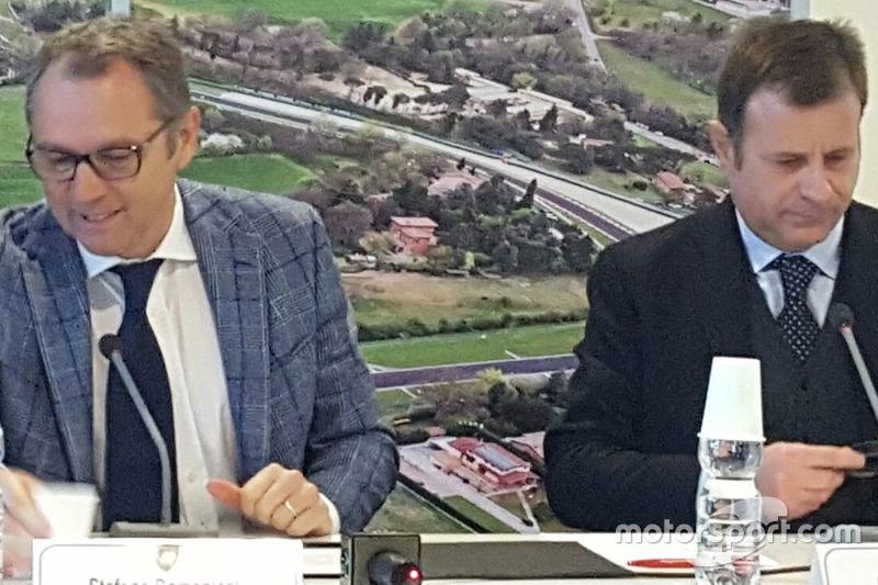 Стефано Доменікалі, генеральний директор Lamborghini, П'єр Джованні Річчі, генеральний директор авто
