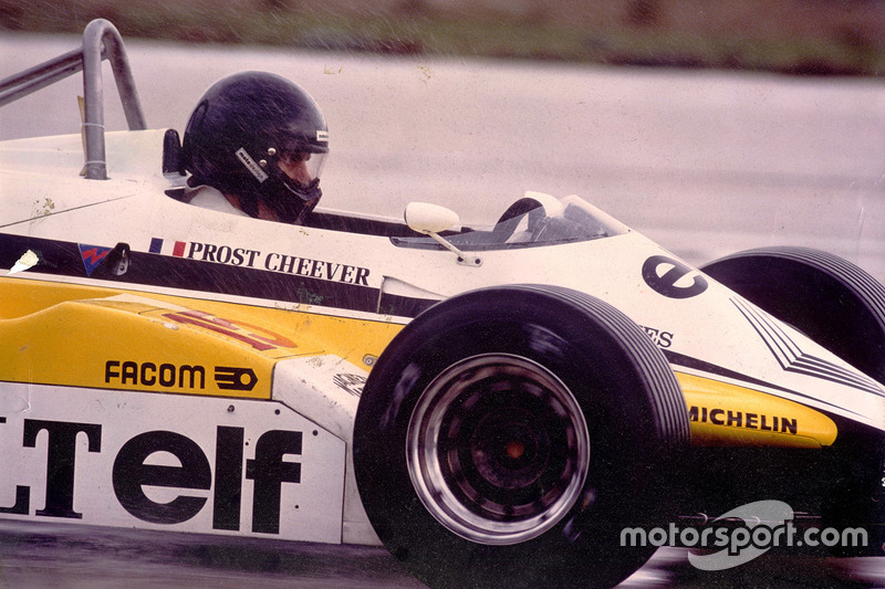 Giorgio Piola prueba el Renault RE30B en Paul Ricard i1982