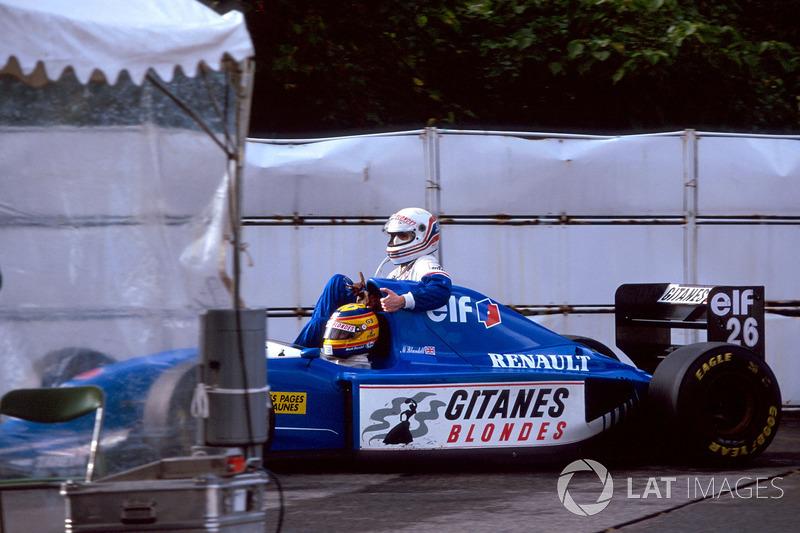 Suzuka 1993: Mark Blundell (Ligier) lleva a Martin Brundle (Ligier)