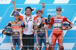 Podium : le vainqueur Marc Marquez, Repsol Honda Team, le second Dani Pedrosa, Repsol Honda Team, le troisième Jorge Lorenzo, Ducati Team