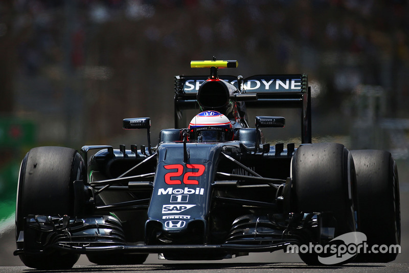 17. Jenson Button, McLaren MP4-31