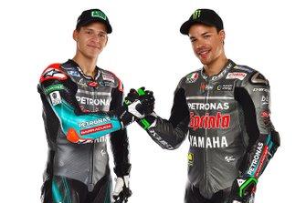 Гонщики Petronas Yamaha SRT Франко Морбиделли и Фабио Квартараро