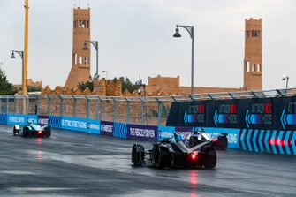 Gary Paffett, HWA Racelab, VFE-05, Antonio Felix da Costa, BMW I Andretti Motorsports, BMW iFE.18