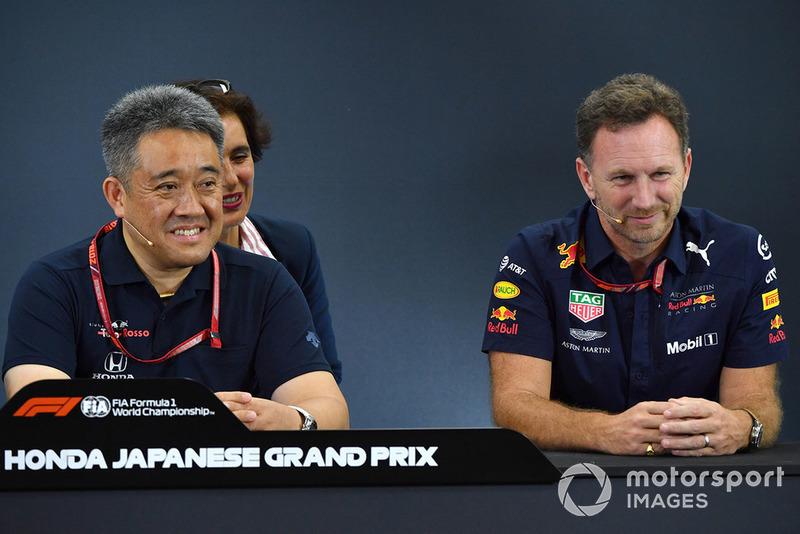Toyoharu Tanabe, director técnico de Honda F1 y Christian Horner, director de Red Bull Racing