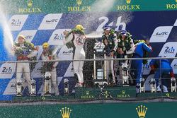 Podium: 1. Timo Bernhard, Earl Bamber, Brendon Hartley, Porsche Team, 2. place Ho-Pin Tung, Oliver J
