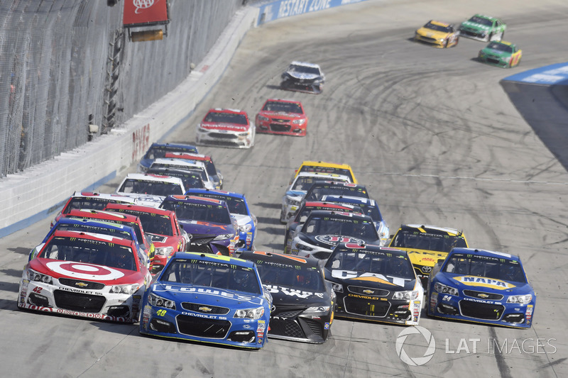 Kyle Larson, Chip Ganassi Racing, Chevrolet; Jimmie Johnson, Hendrick Motorsports, Chevrolet; Martin Truex Jr., Furniture Row Racing, Toyota