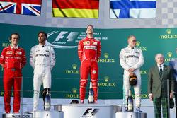 Sebastian Vettel, Ferrari, Lewis Hamilton, Mercedes AMG, Valtteri Bottas, Mercedes AMG, en el podium