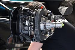 Mercedes AMG F1 W08 front brake and wheel hub detail