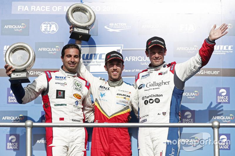 Podium WTCC trophy: Mehdi Bennani, Sébastien Loeb Racing, Citroën C-Elysée WTCC, Esteban Guerrieri, Campos Racing, Chevrolet RML Cruze TC1, Tom Chilton, Sébastien Loeb Racing, Citroën C-Elysée WTCC