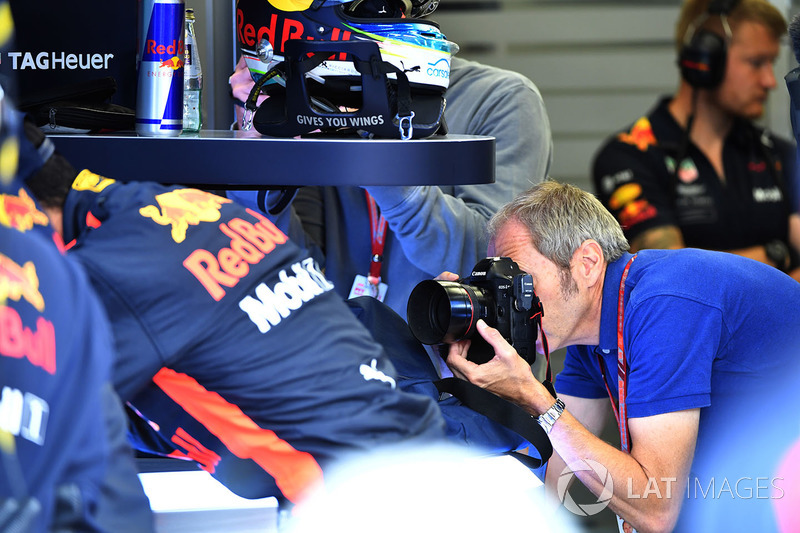 Mark Thompson, photographer in the Red Bull Racing garage