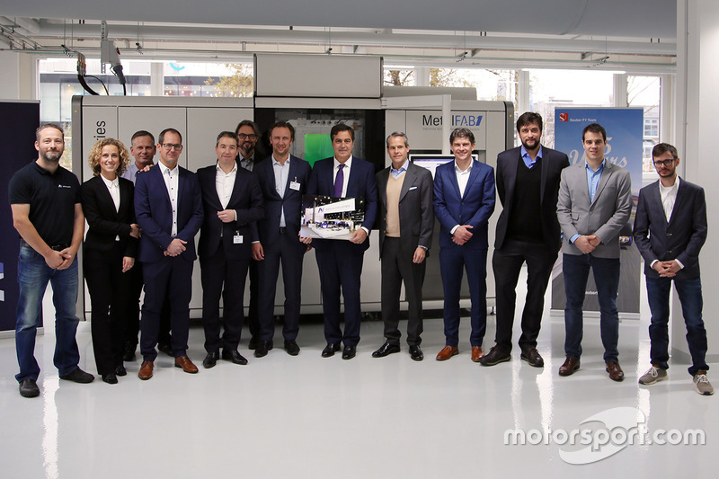 Additive Industries and Sauber Motorsport AG representatives
