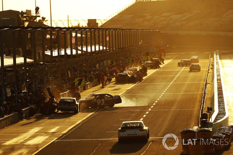 Ryan Sieg, RSS Racing Chevrolet, Caesar Bacarella, J.J. Yeley, TriStar Motorsports Toyota