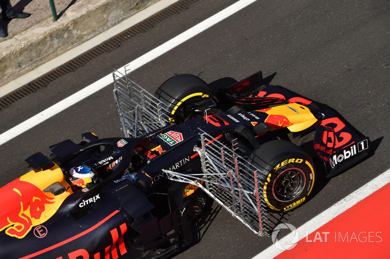 Daniel Ricciardo, Red Bull Racing RB14, con parrillas aerodinámicas