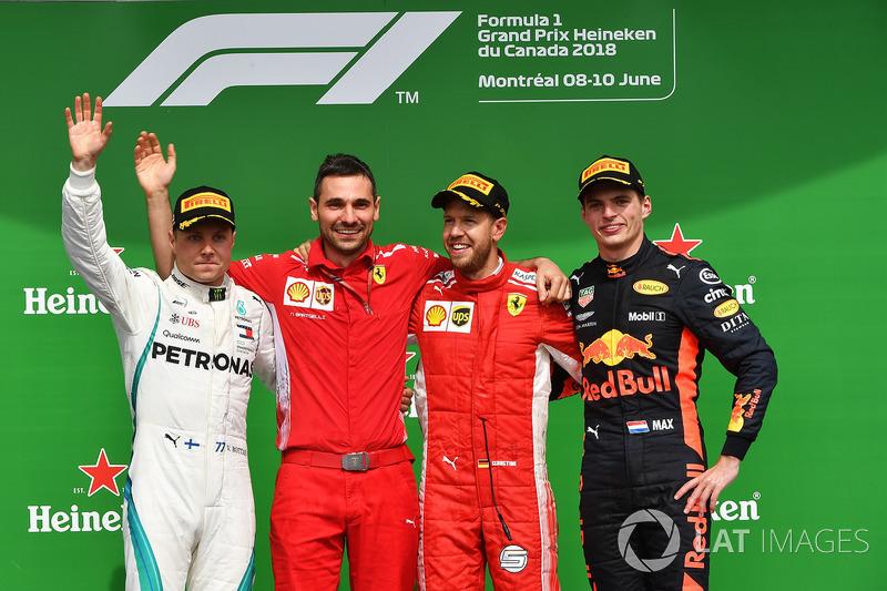 (Da sx a dx): Valtteri Bottas, Mercedes-AMG F1, Sebastian Vettel, Ferrari e Max Verstappen, Red Bull Racing