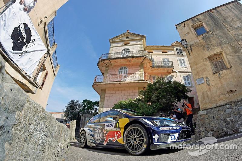 #4: Sébastien Ogier und Julien Ingrassia, VW Polo WRC, bei der Rallye Korsika