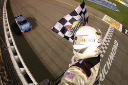 Kyle Busch, Joe Gibbs Racing Toyota takes the win