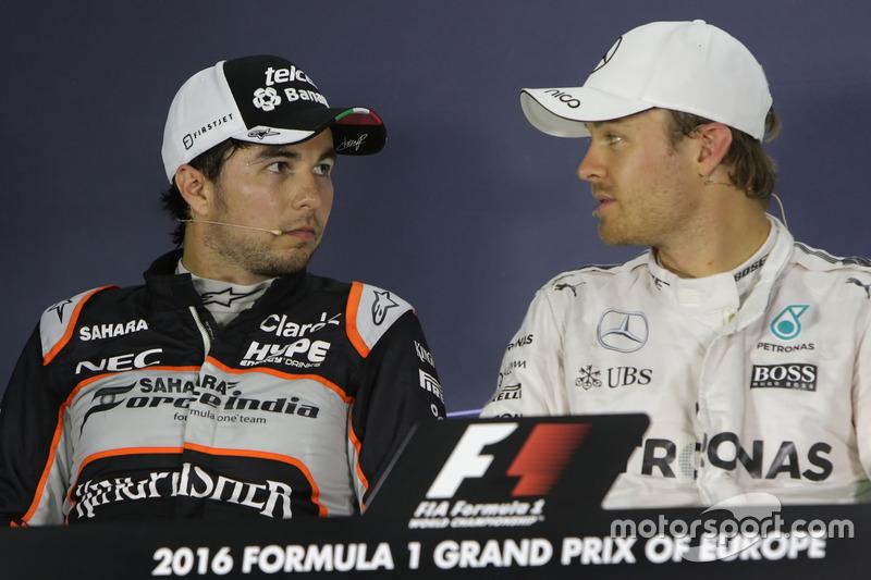 Segundo lugar Sergio Pérez, Sahara Force India F1 y el gandor de la pole Nico Rosberg, Mercedes AMG F1  en la post Conferencia de prensa FIA