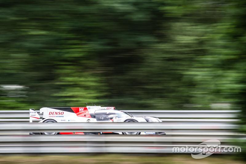 #5 Toyota Racing Toyota TS050 Hybrid: Ентоні Девідсон, Себастьян Буемі, Казукі Накадзіма та Алекс Вюрц