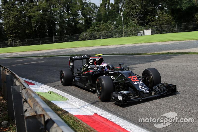 2016 - McLaren MP4-31: 15º lugar no Mundial de Pilotos até o momento, com 17 pontos