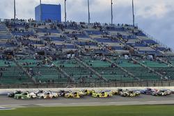 Ben Rhodes, ThorSport Racing, Ford F-150 Alpha Energy Solutions and Brett Moffitt, Hattori Racing Enterprises, Toyota Tundra