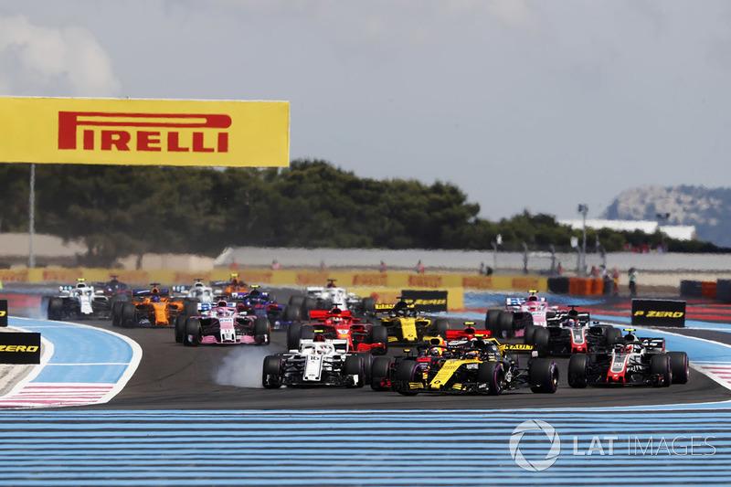 Carlos Sainz Jr., Renault Sport F1 Team R.S. 18, Charles Leclerc, Sauber C37, y Kevin Magnussen, Haas F1 Team VF-18