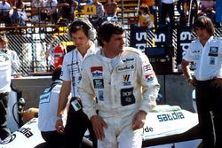 Alan Jones, Williams, with Frank Dernie behind