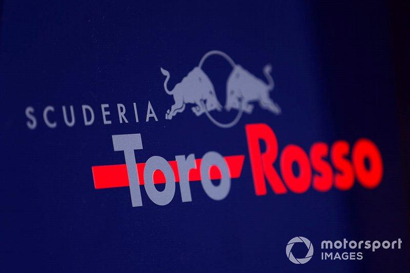 El logo de la Scuderia Toro Rosso