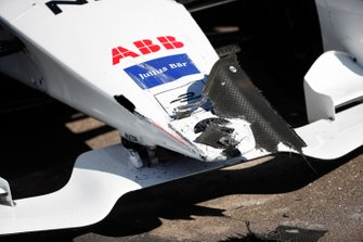 Damage to the nose of the car of Tom Dillmann, NIO Formula E Team, NIO Sport 004, after a crash in the pit lane