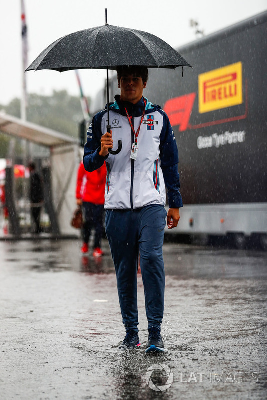 Lance Stroll, Williams Martini Racing, arrives in the paddock